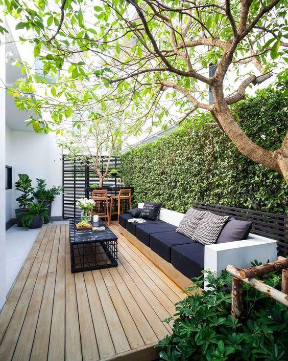 おしゃれな屋外用ガーデンファニチャー_目隠しフェンス